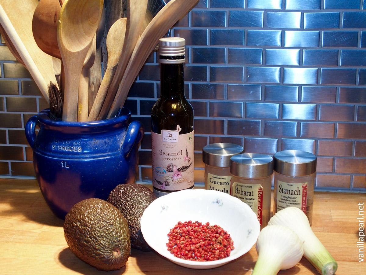 Orient meets Mexico - Guacamole with Falafel and Tortillas - VanillaPearl incredients